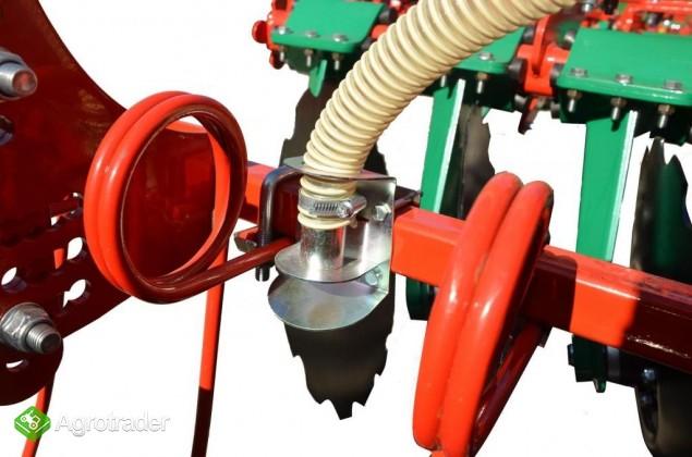 Siewnik poplonów pneumatyczny punktowy SP-200 - zdjęcie 2