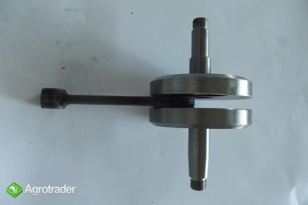Wał korbowy silnika rozruchowego DT 75 - zdjęcie 1