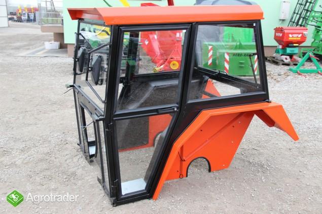 Kabina ciągnikowa kabina do ciągnika C-360  z błotnikami standard - zdjęcie 2