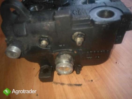 Rozdzielacz hydrauliczny Deutz Agrovector 26.6 30.7 40.8 35.7 29.6 37. - zdjęcie 2