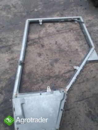 Rama drzwi Massey Ferguson serii 3000.3100.3600.części skrzyni.mostów. - zdjęcie 1