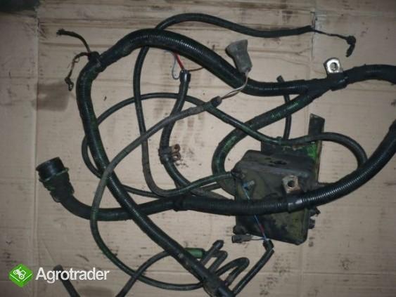 Wiązka elektryczna silnika John Deere 1065,1075,1085,1174,1177
