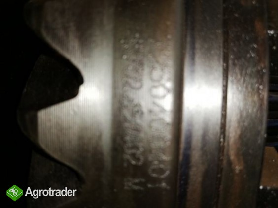 Mechanizm różnicowy, wałek ataku John Deere5045E, 5055E, 5065E, 5065M, - zdjęcie 3