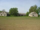 Gospodarstwo rolne z domem mieszkalnym i budynkami